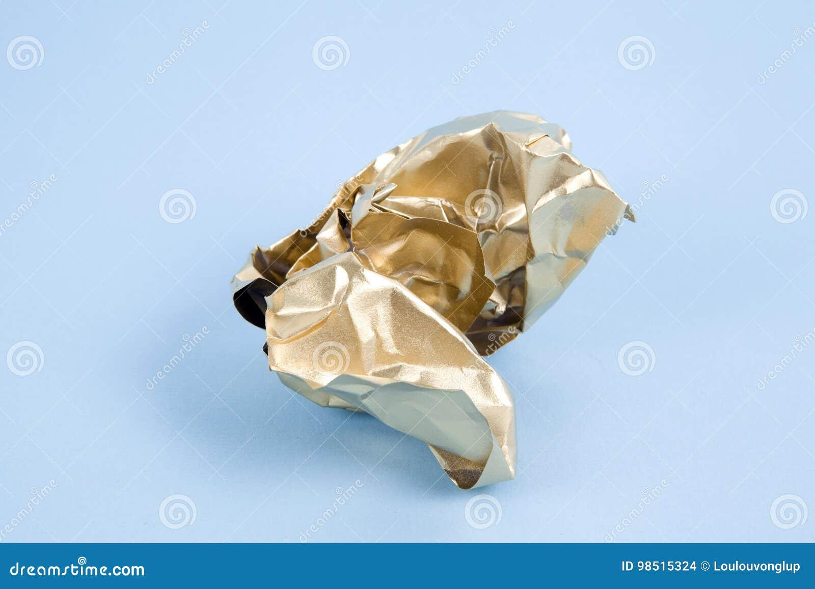 Papel arrugado oro