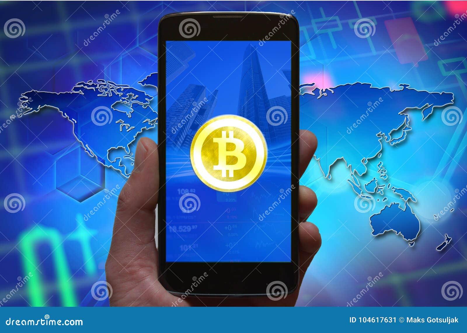 Papel pintado del concepto de Bitcoin Símbolo de Cryptocurrency Bitcoin en la pantalla del smartphone, teléfono en la mano