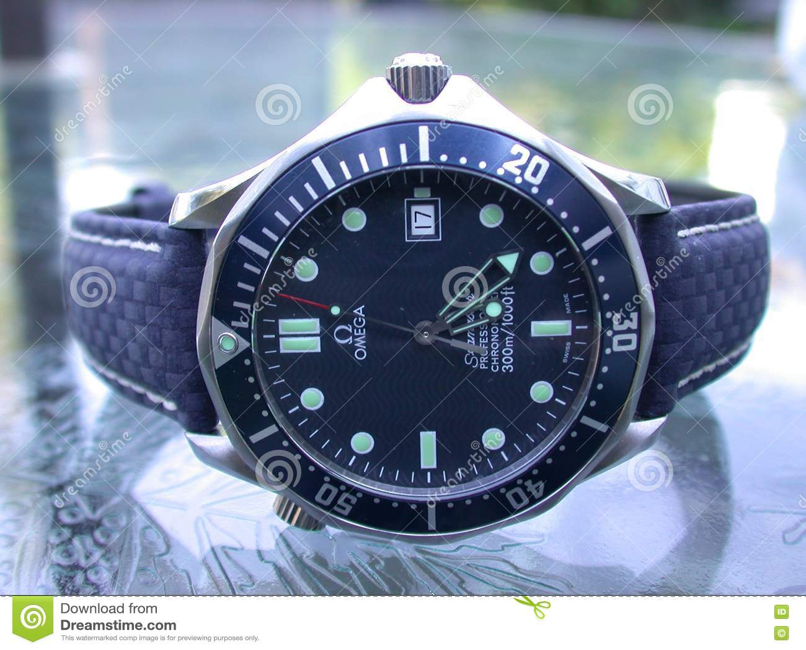 Papel Pintado Del Reloj De Omega Seamaster 007 Imagen De