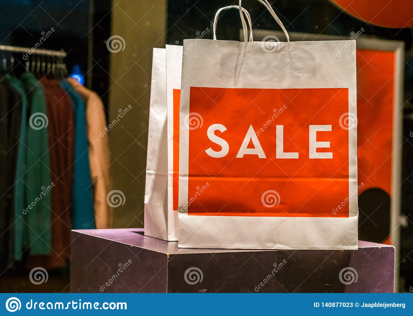 Paper bag for shopping sale, environment friendly bag, fashion industry publicity