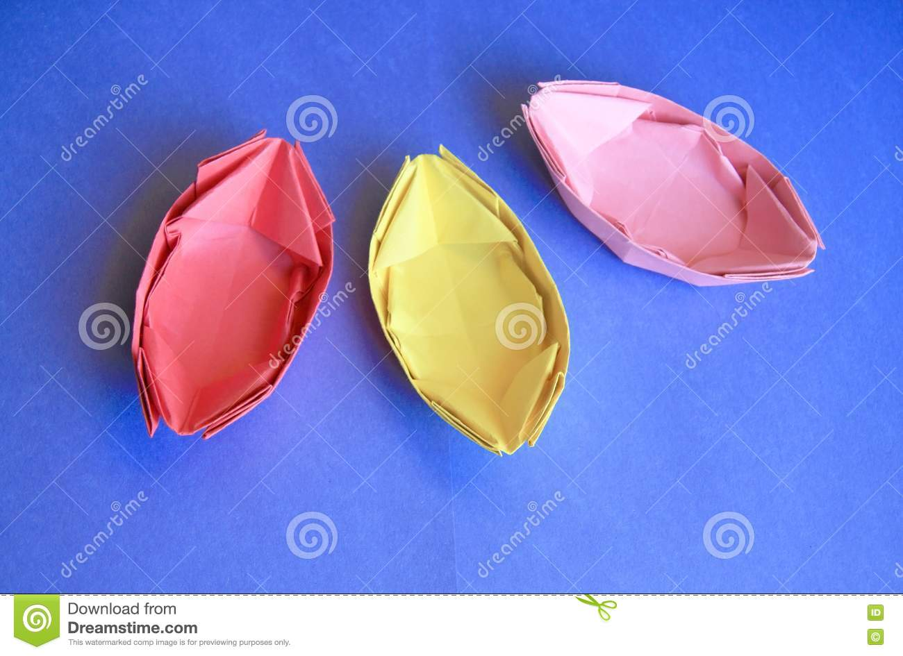 paper boats Paper boats (spanish: barcos de papel) is a 1963 argentine and spanish drama film directed by román viñoly barreto and starring pablo calvo cast pablo calvo.