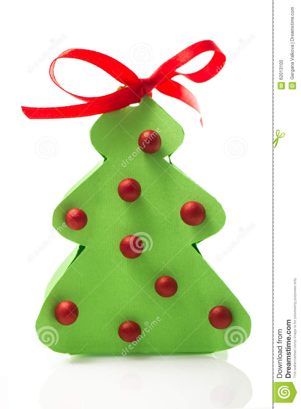 Paper christmas tree with balls and ribbon on white