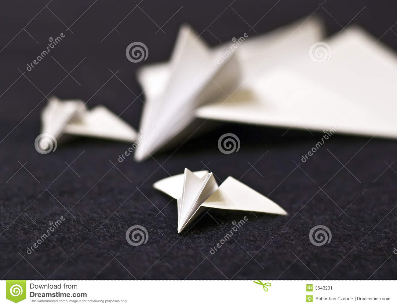 Paper planes family