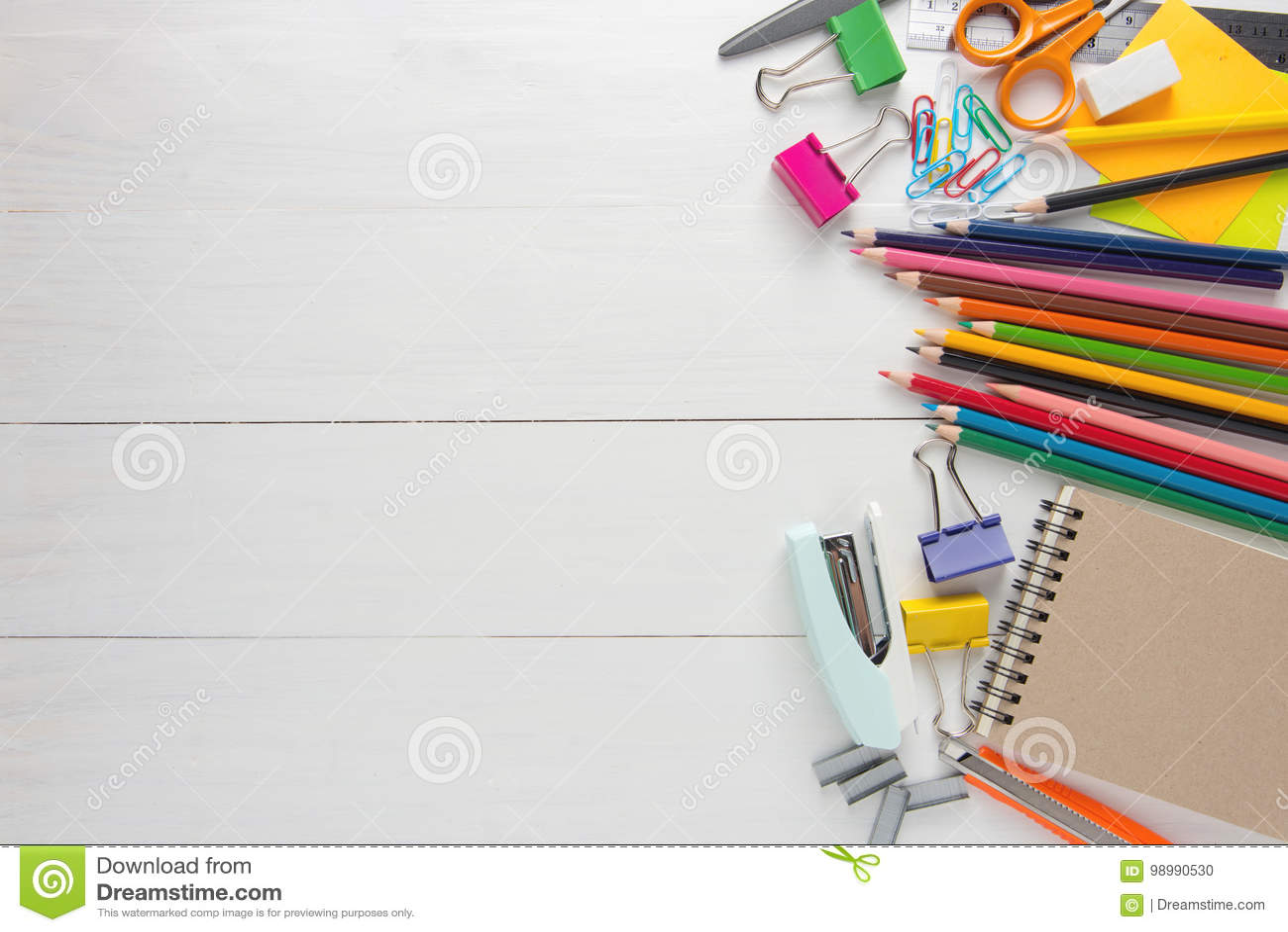 Papeterie d école et fournitures de bureau