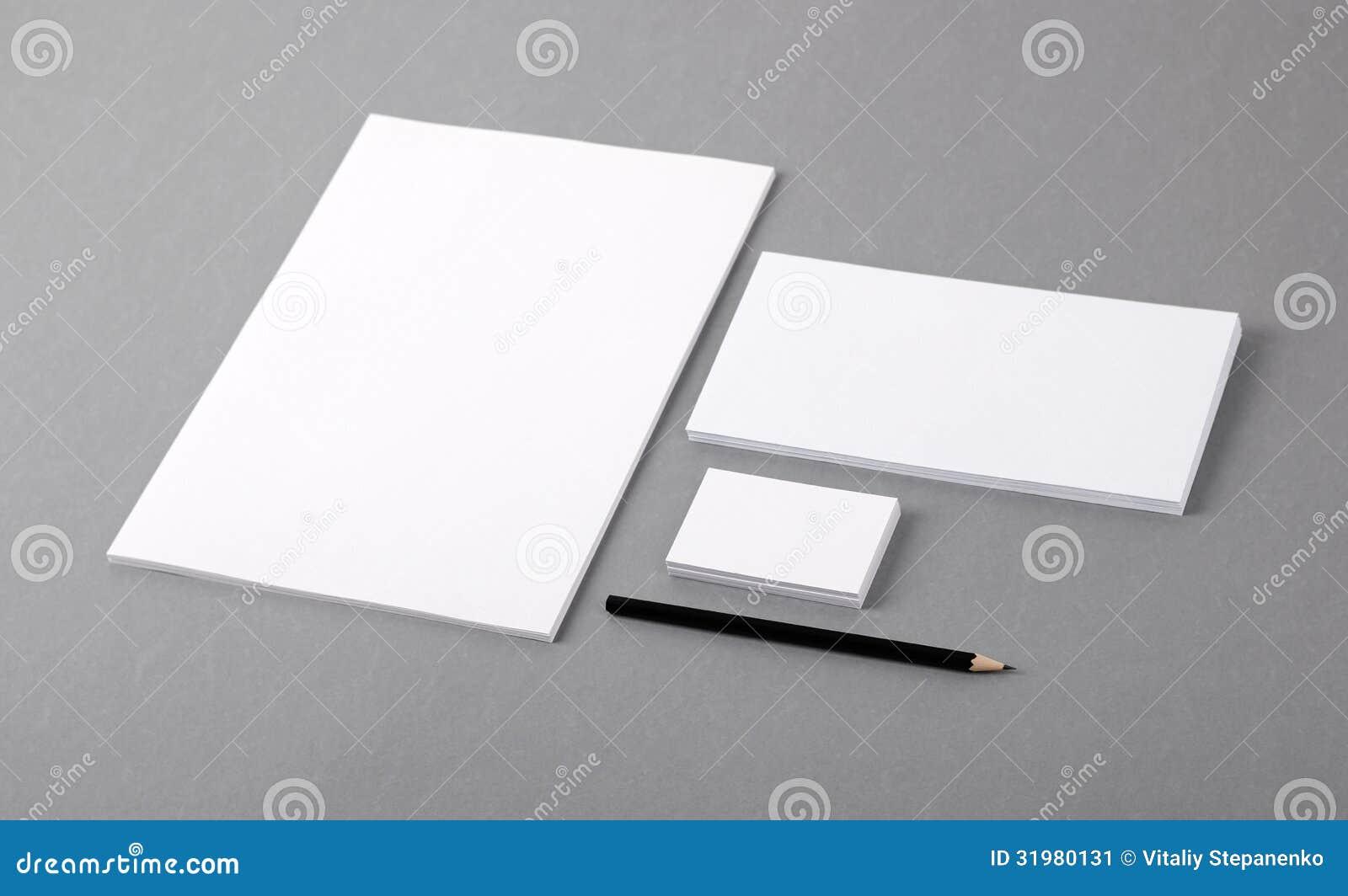 Papeterie de base vide. En-tête de lettre plat, carte de visite professionnelle de visite, enveloppe