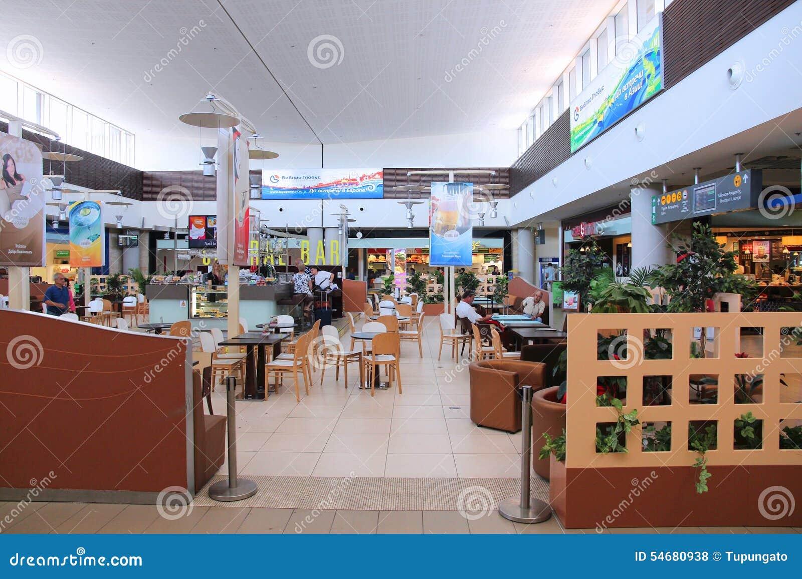 Karta Cypern Flygplats.Paphos Flygplats Cypern Redaktionell Arkivfoto Bild Av Vante