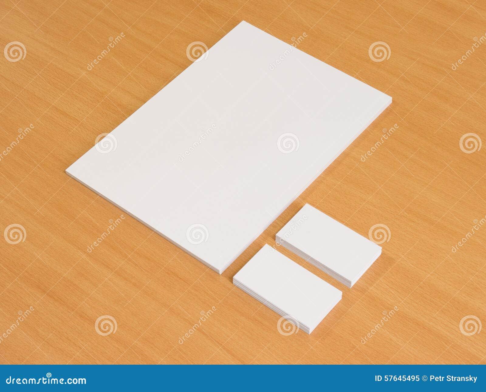 Papier Blanc Et Cartes De Visite Professionnelle En Bois