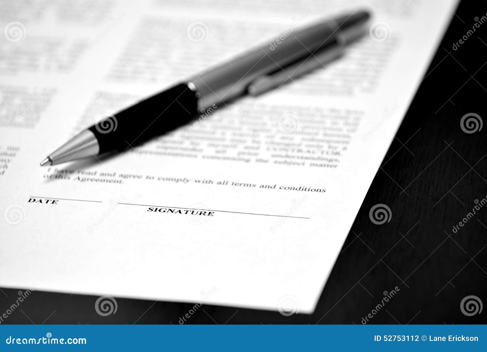 Papier Mit Unterzeichnungs Linie Vertrag Pen Closing Deal Stockfoto