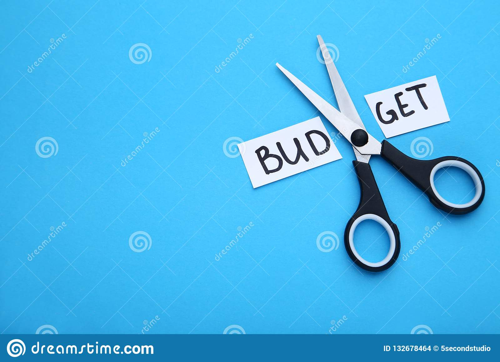 Papier z słowo budżetem