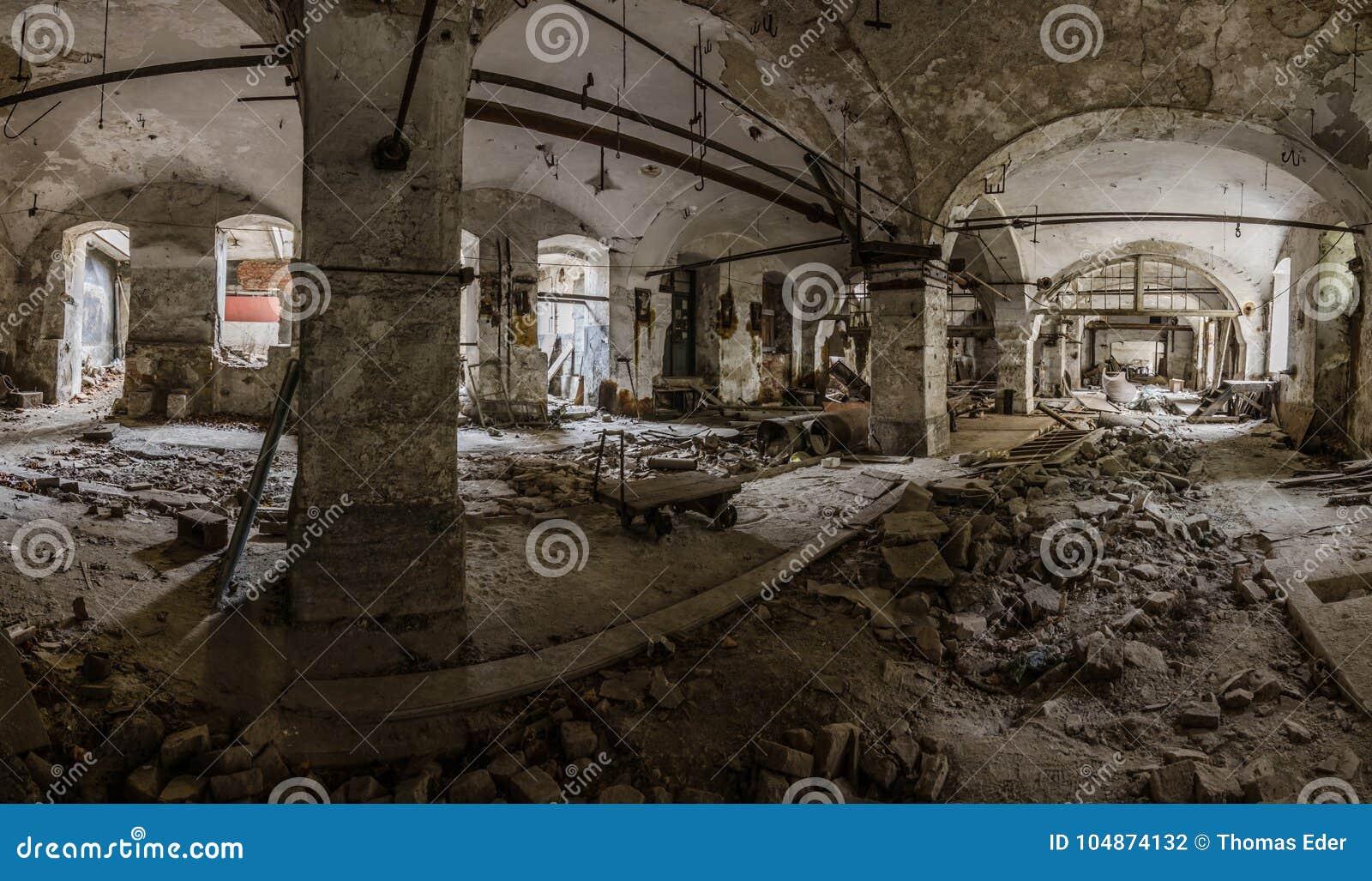 Papierowa fabryka sklepia panorama