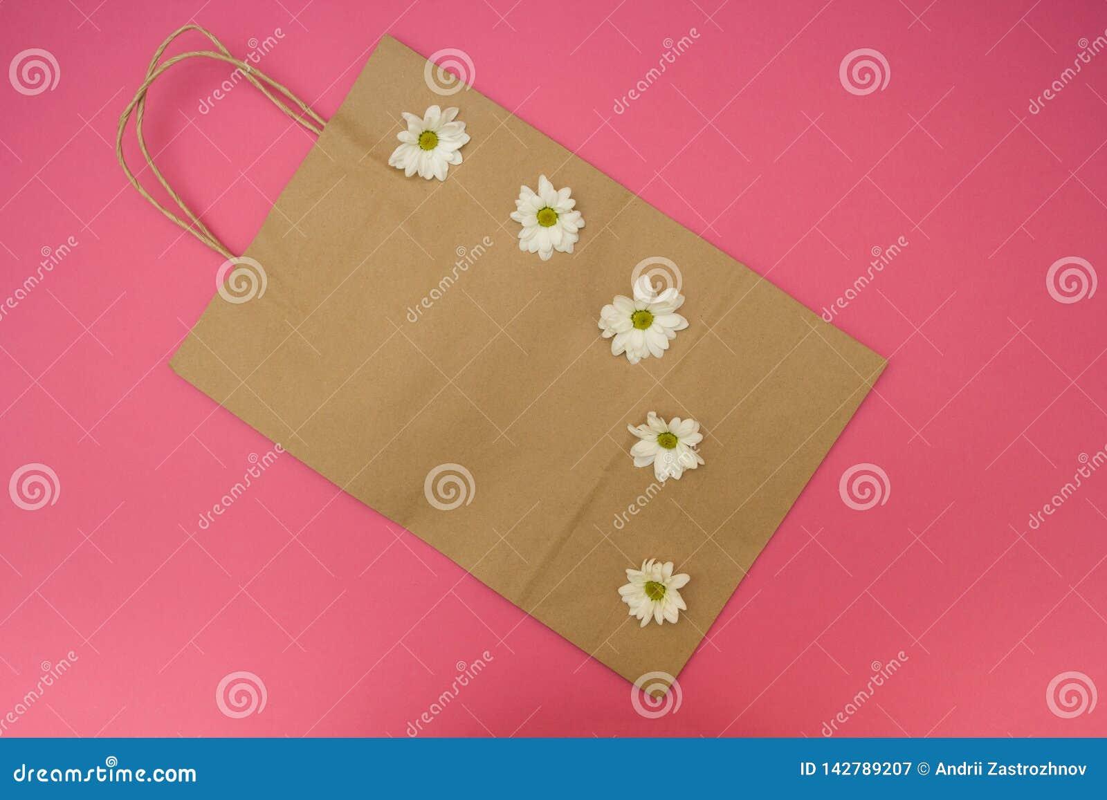 Papierowa torba dla shopaholic