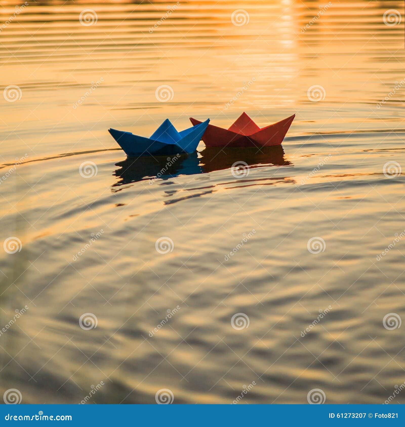 Papierowe łodzie