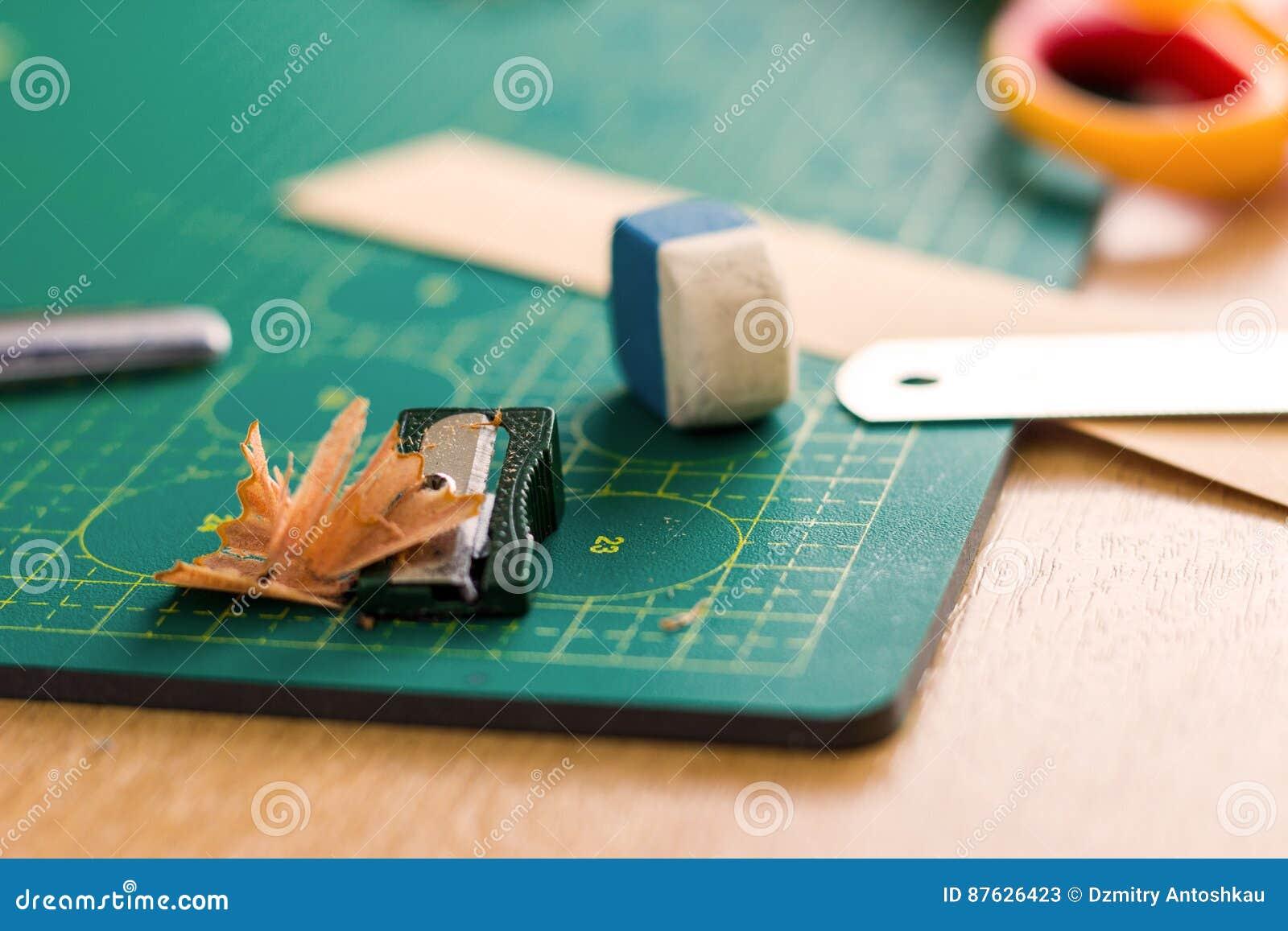 Papierowy crafter ` s miejsce pracy
