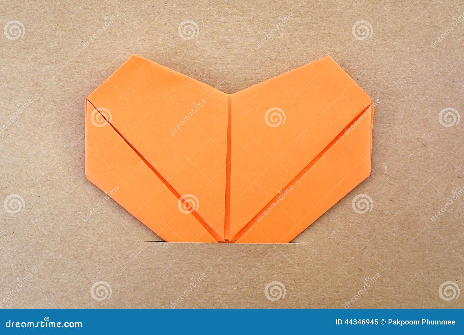 Papierowy pomarańczowy serce