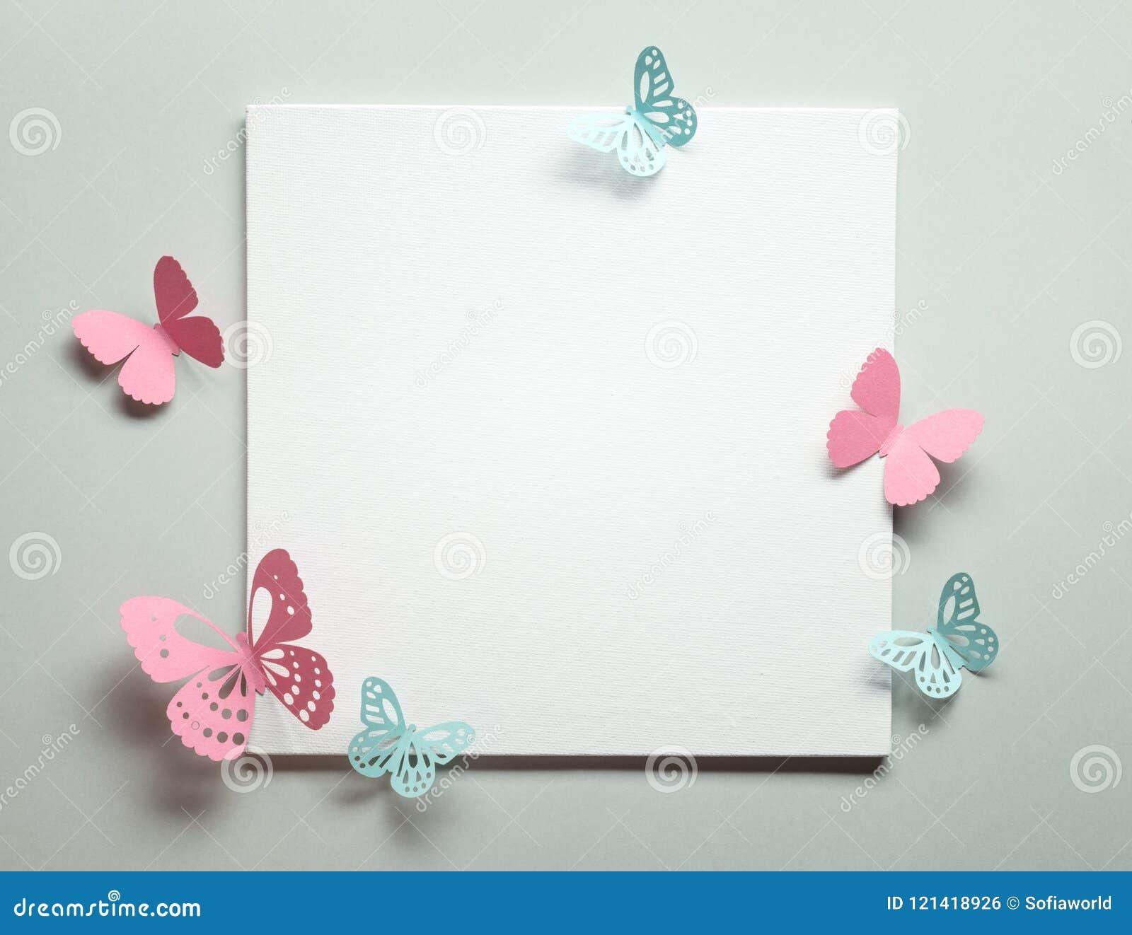 Pappers- fjäril på papper