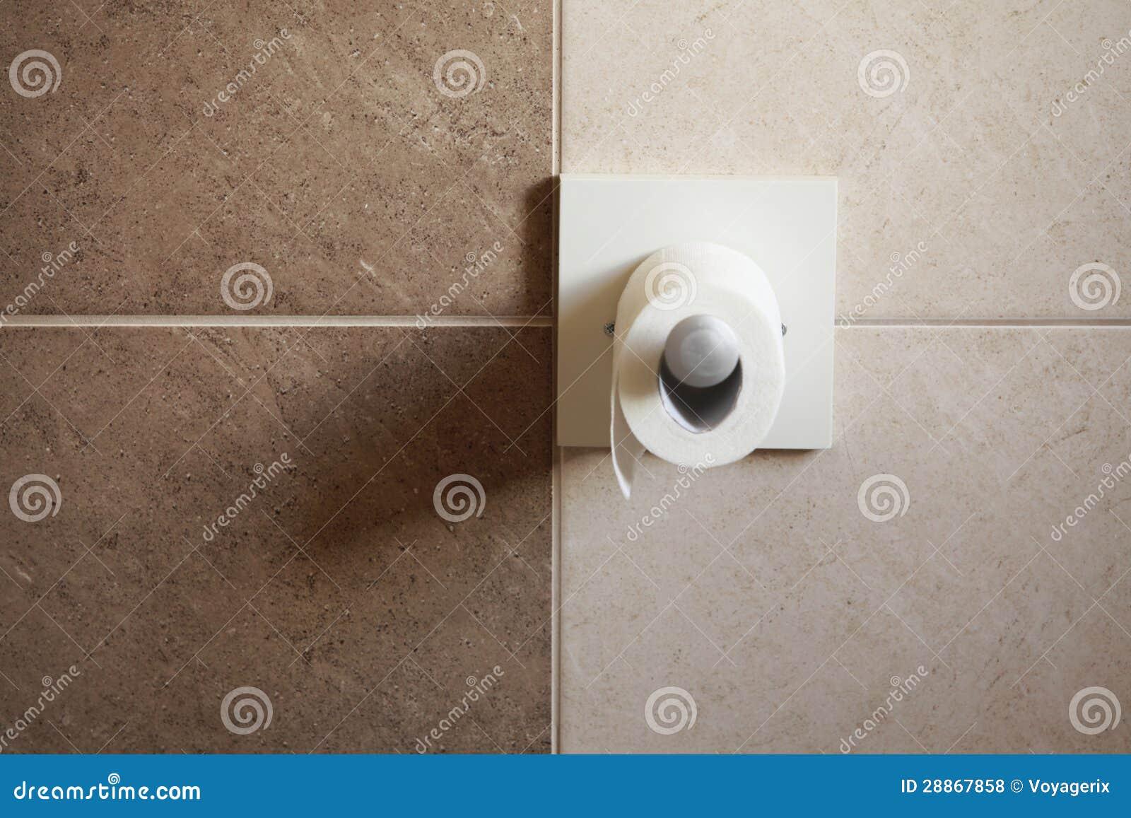 Pappers  rulle för toalett i badrum royaltyfria foton   bild: 28867858
