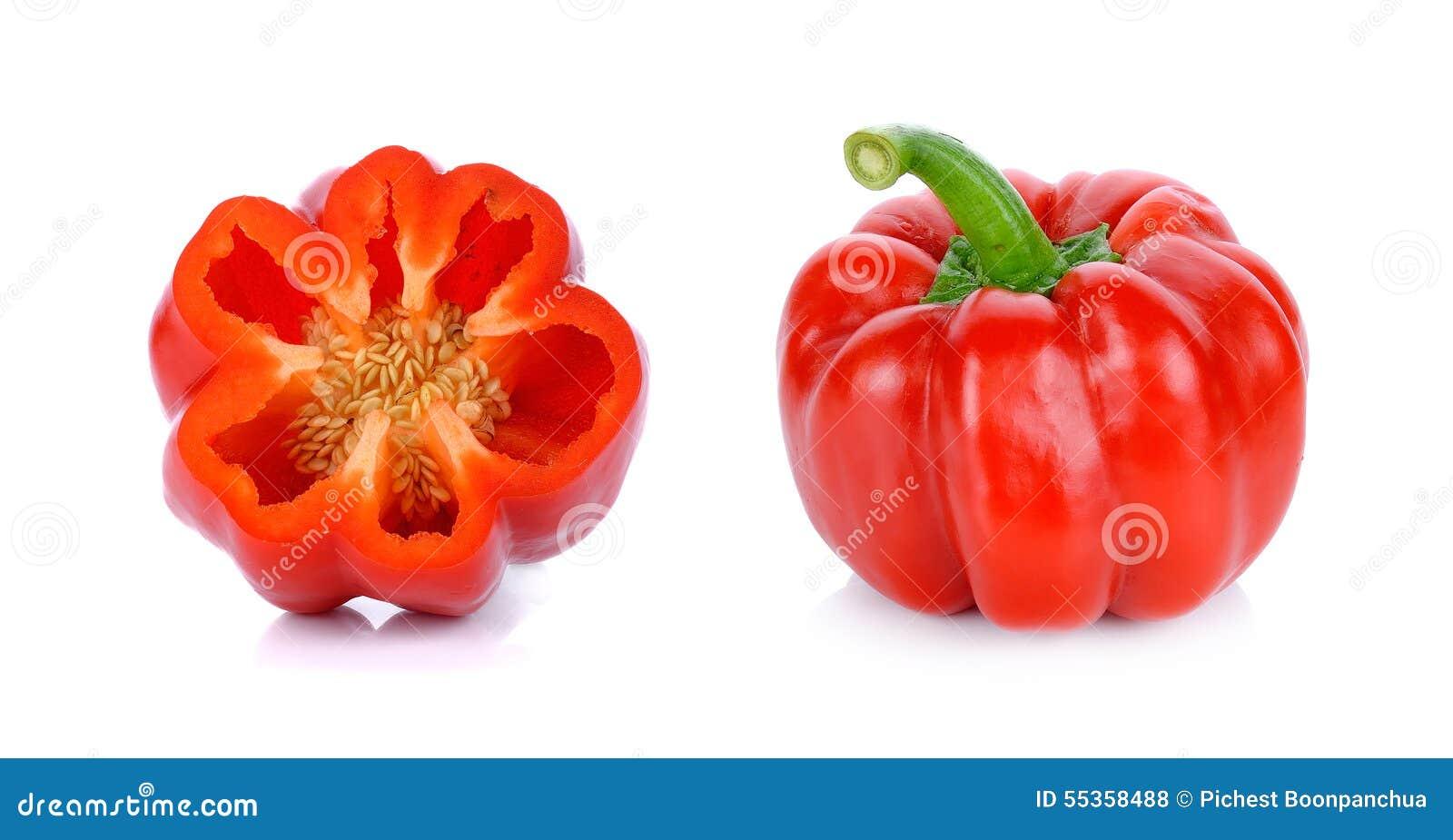 Paprica rossa isolata sui precedenti bianchi