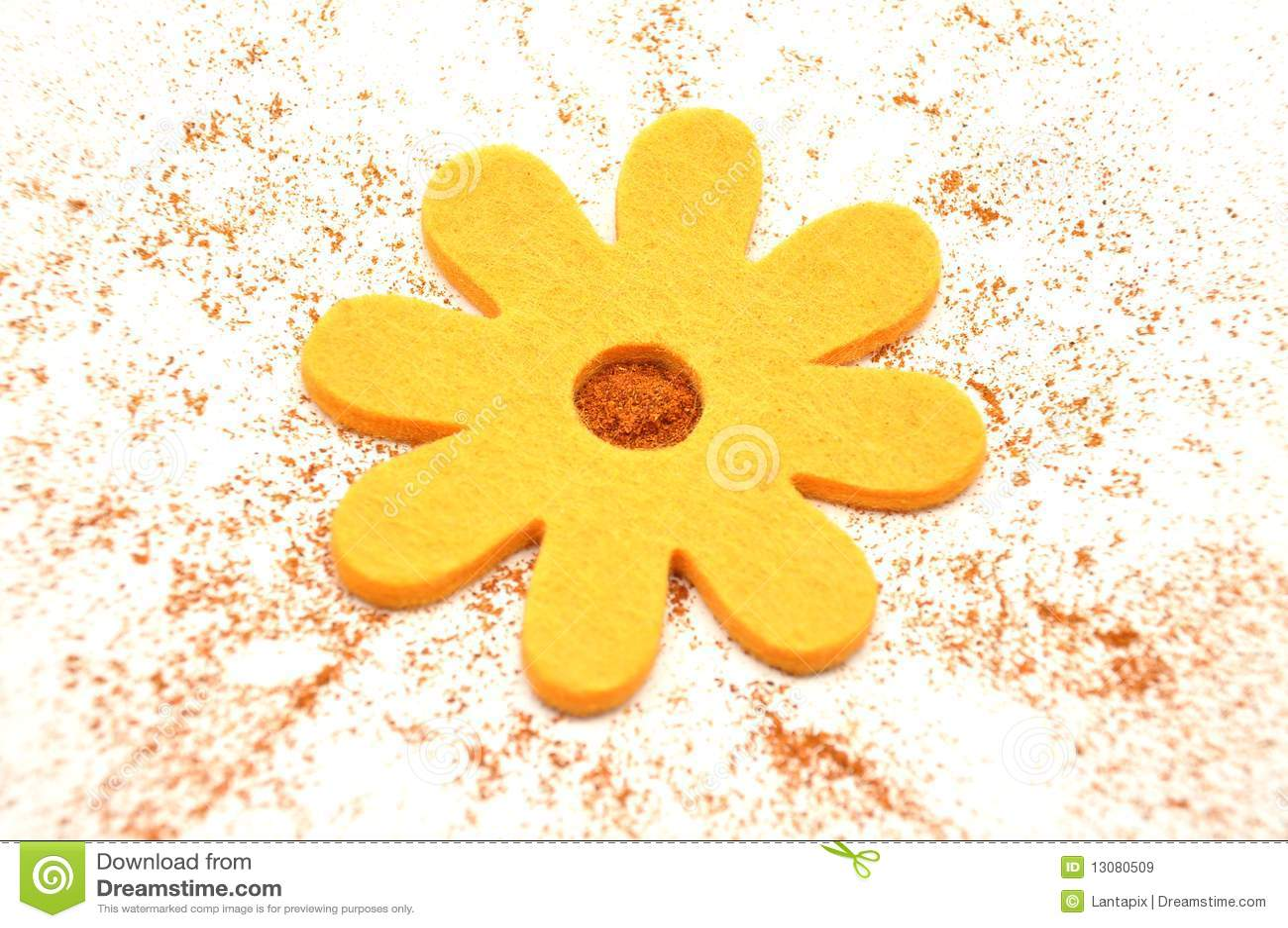 Paprika en gevoelde decoratie royalty vrije stock afbeeldingen afbeelding 13080509 - Decoratie geel ...