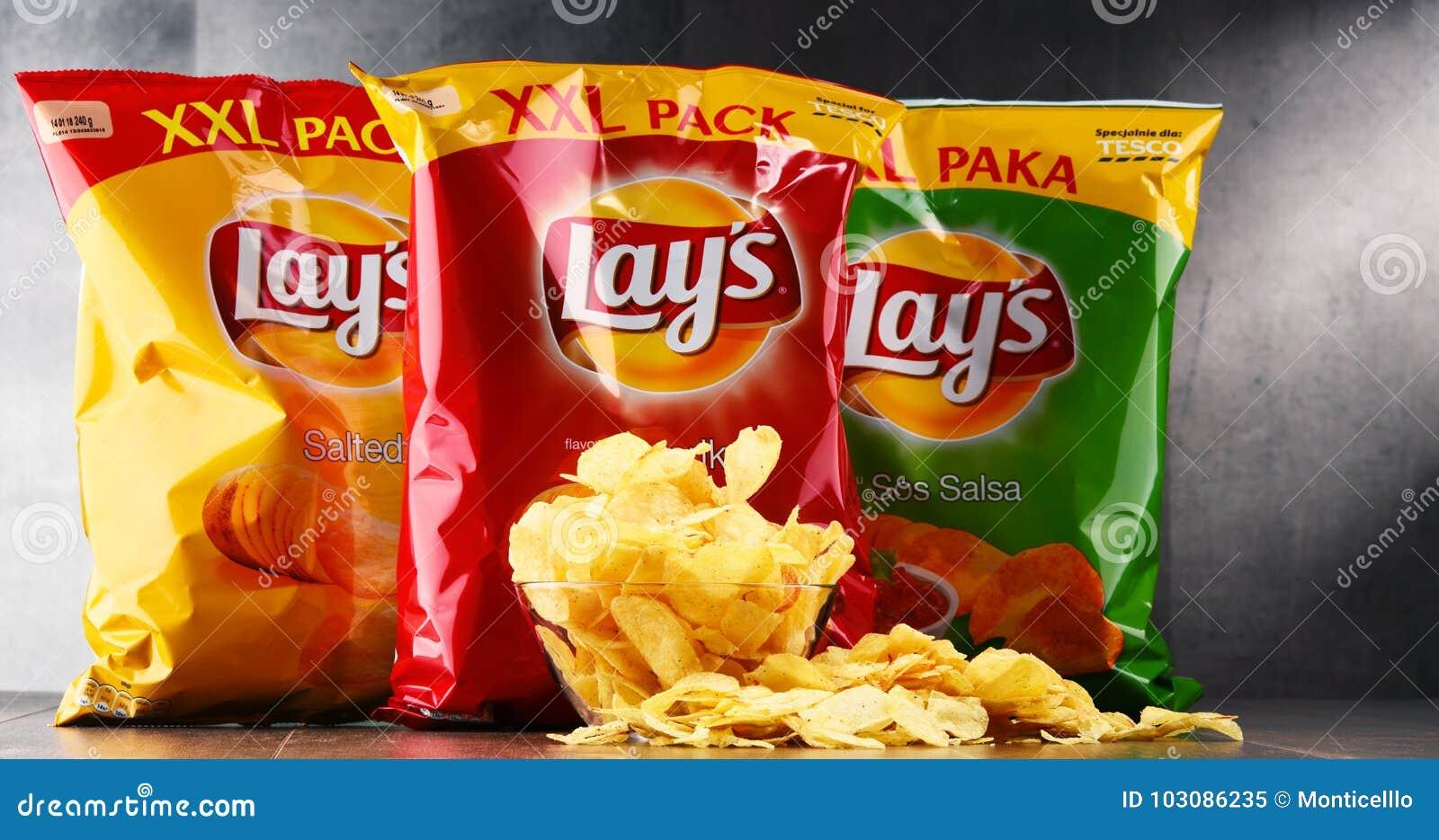 Paquetes de patatas fritas de las endechas