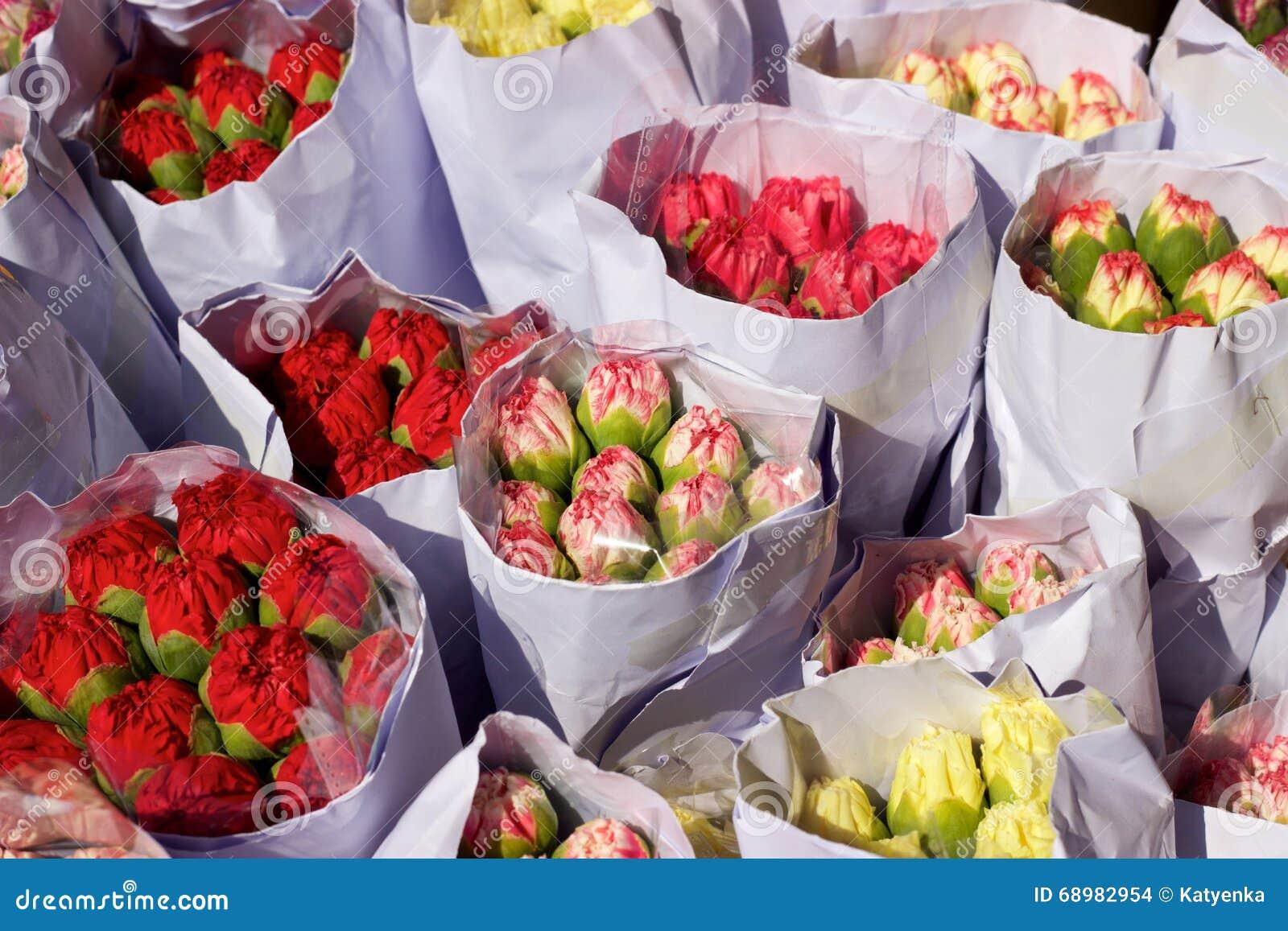 Paquetes o ramos del clavel para la venta, mercado de la flor de Hong Kong