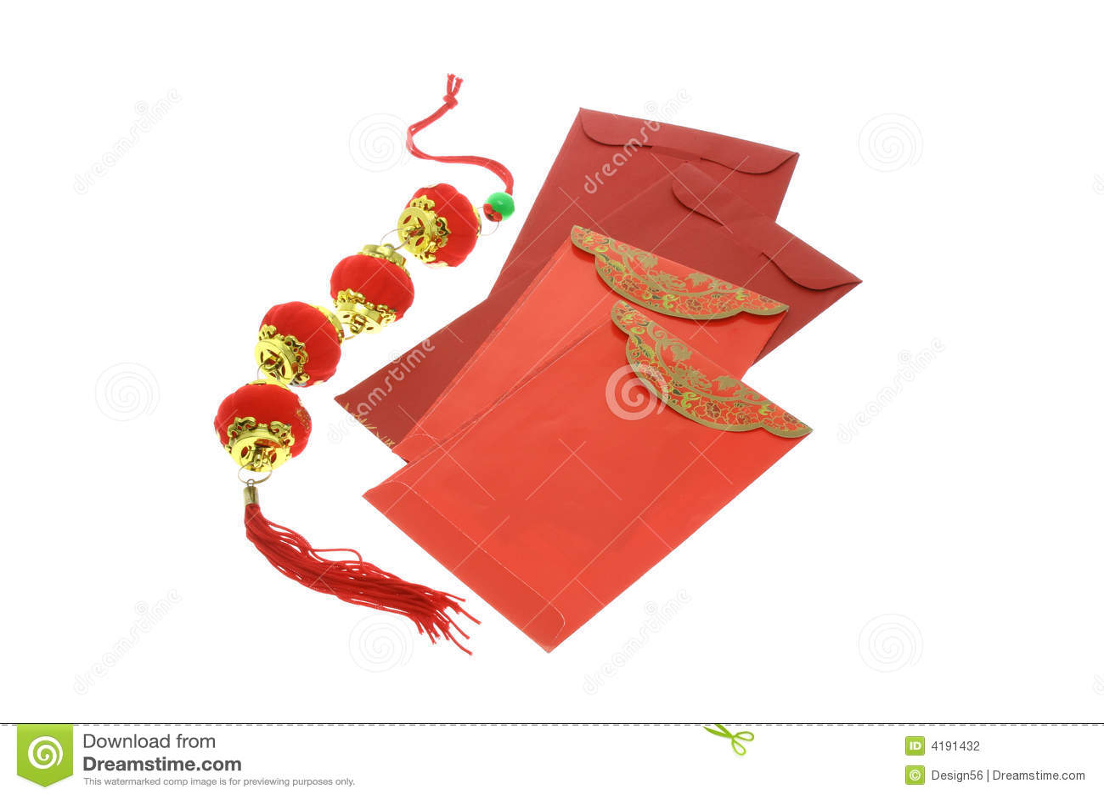 Paquetes rojos chinos y linternas del Año Nuevo