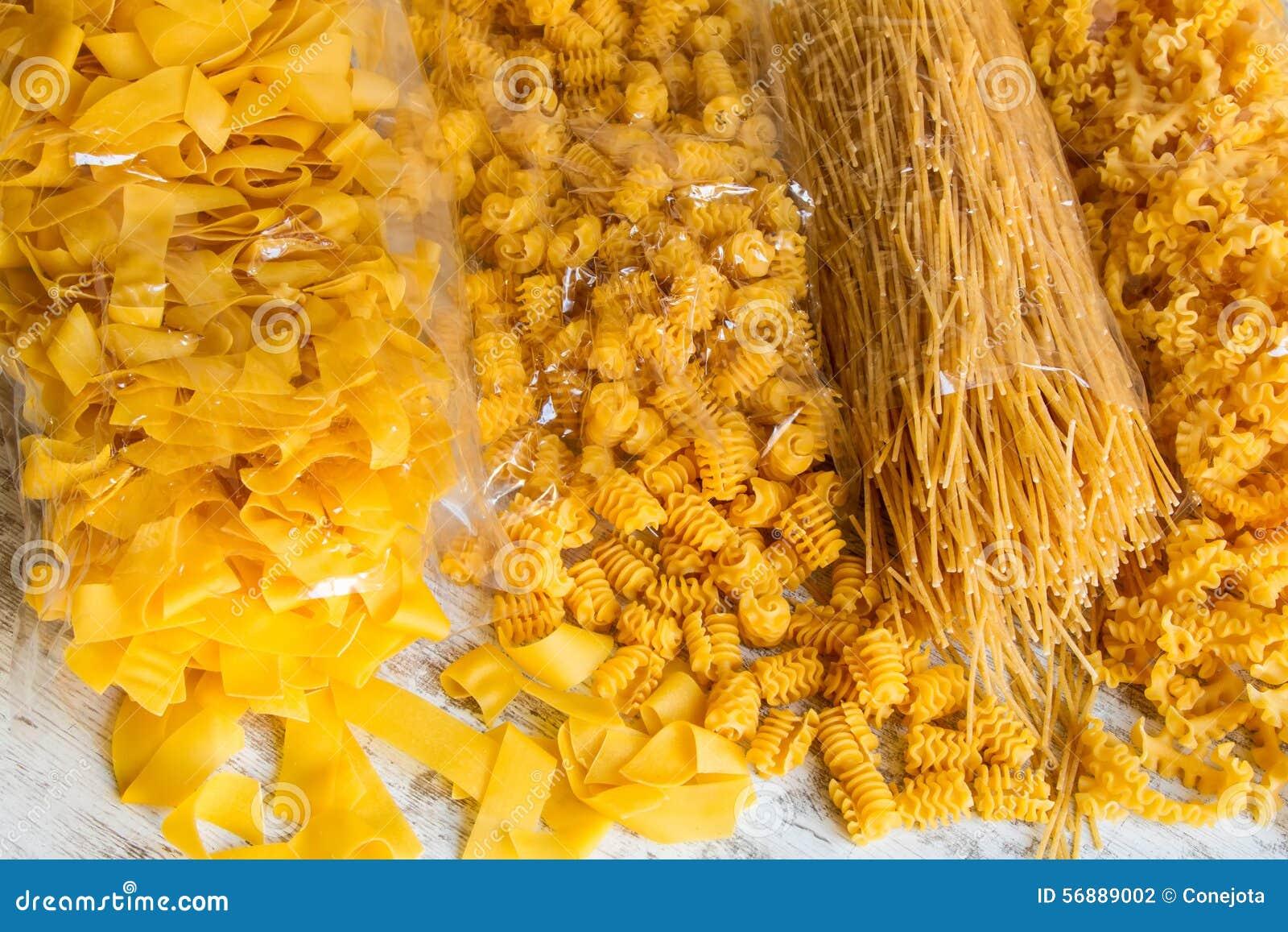 Paquets de fond de pâtes d oeufs