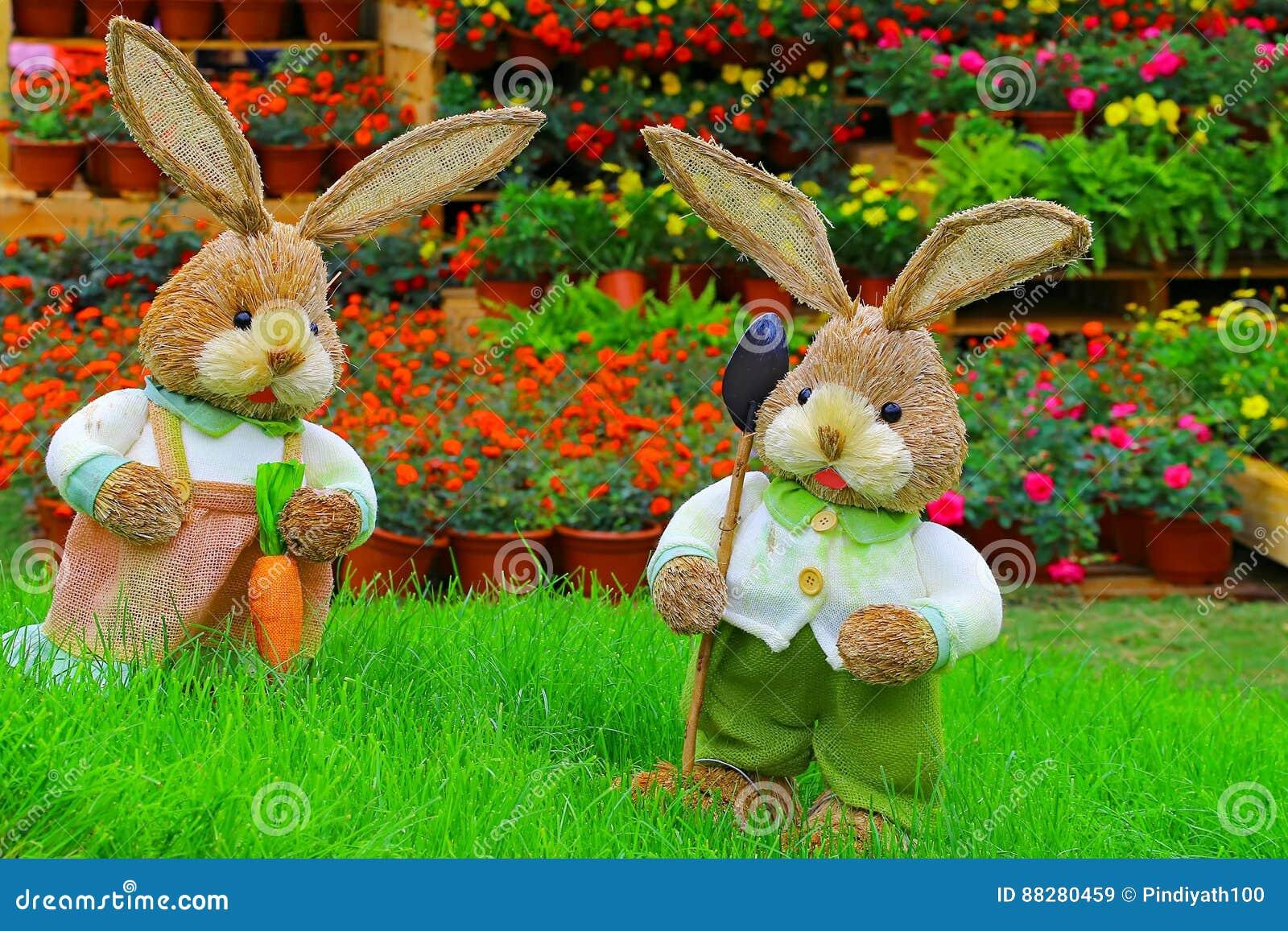 Par av gulliga små easter kaniner