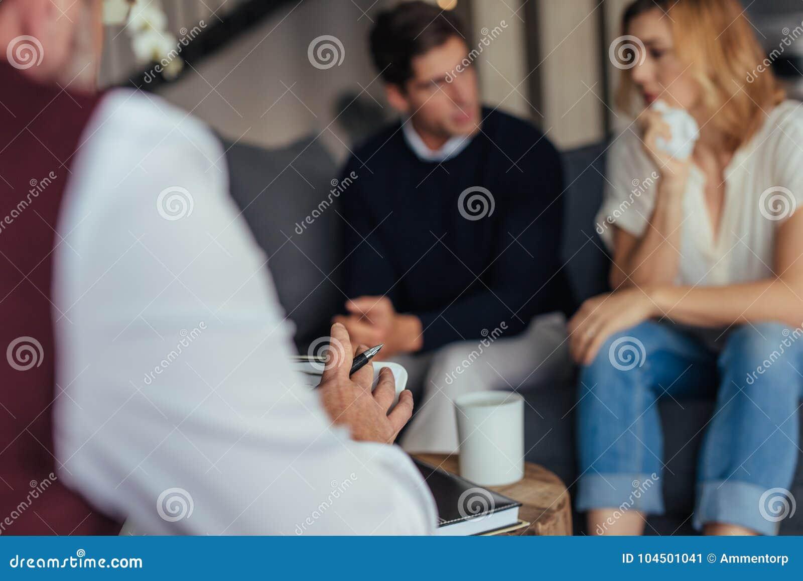 Par för psykoterapeutrådgivningbarn