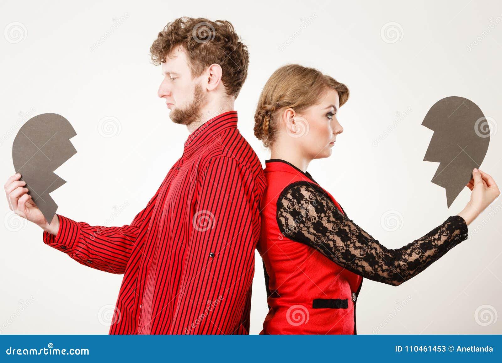 Par med bruten hjärta som bryter upp