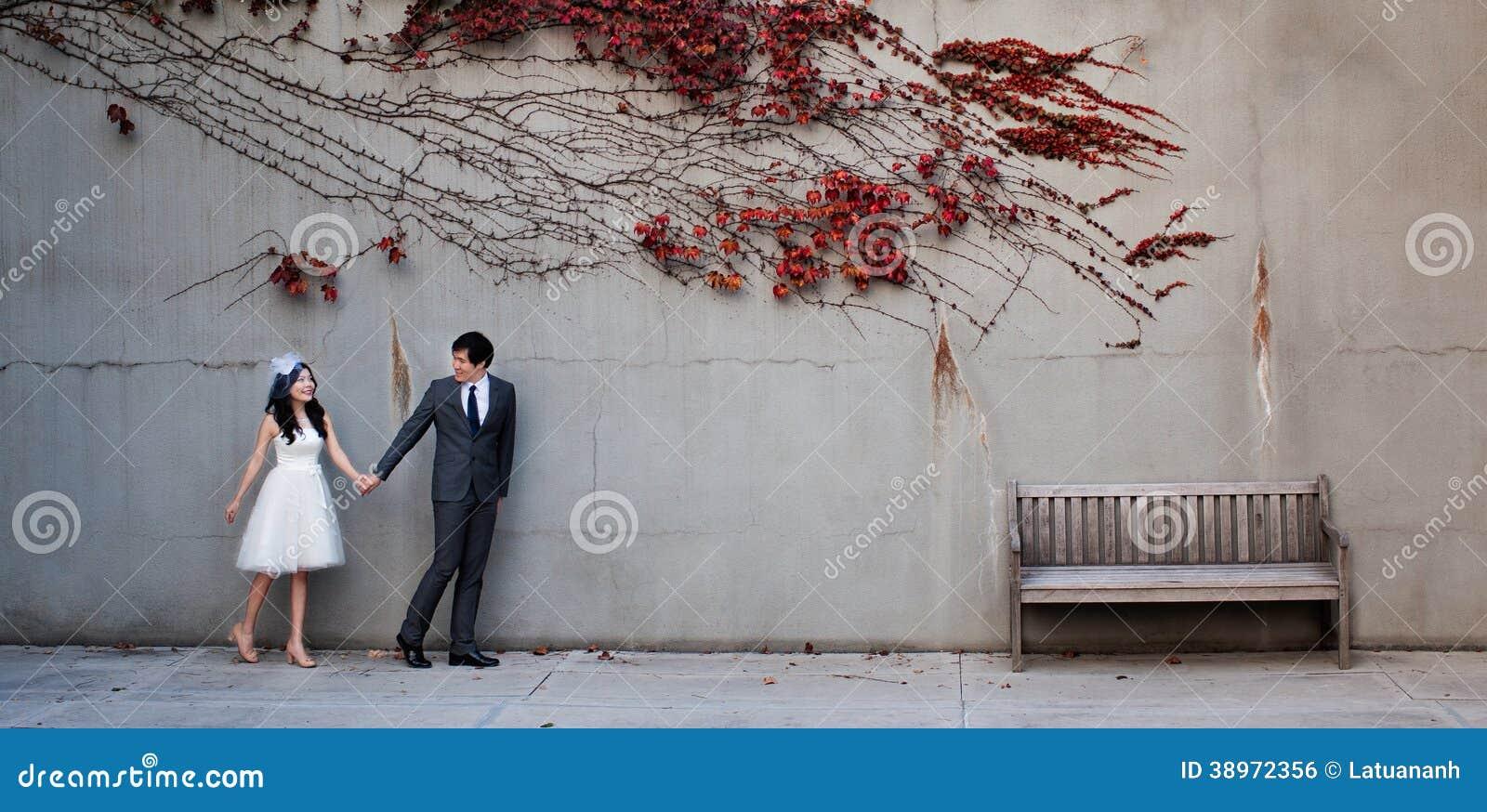 Par på den röda tjänstledighetvägen