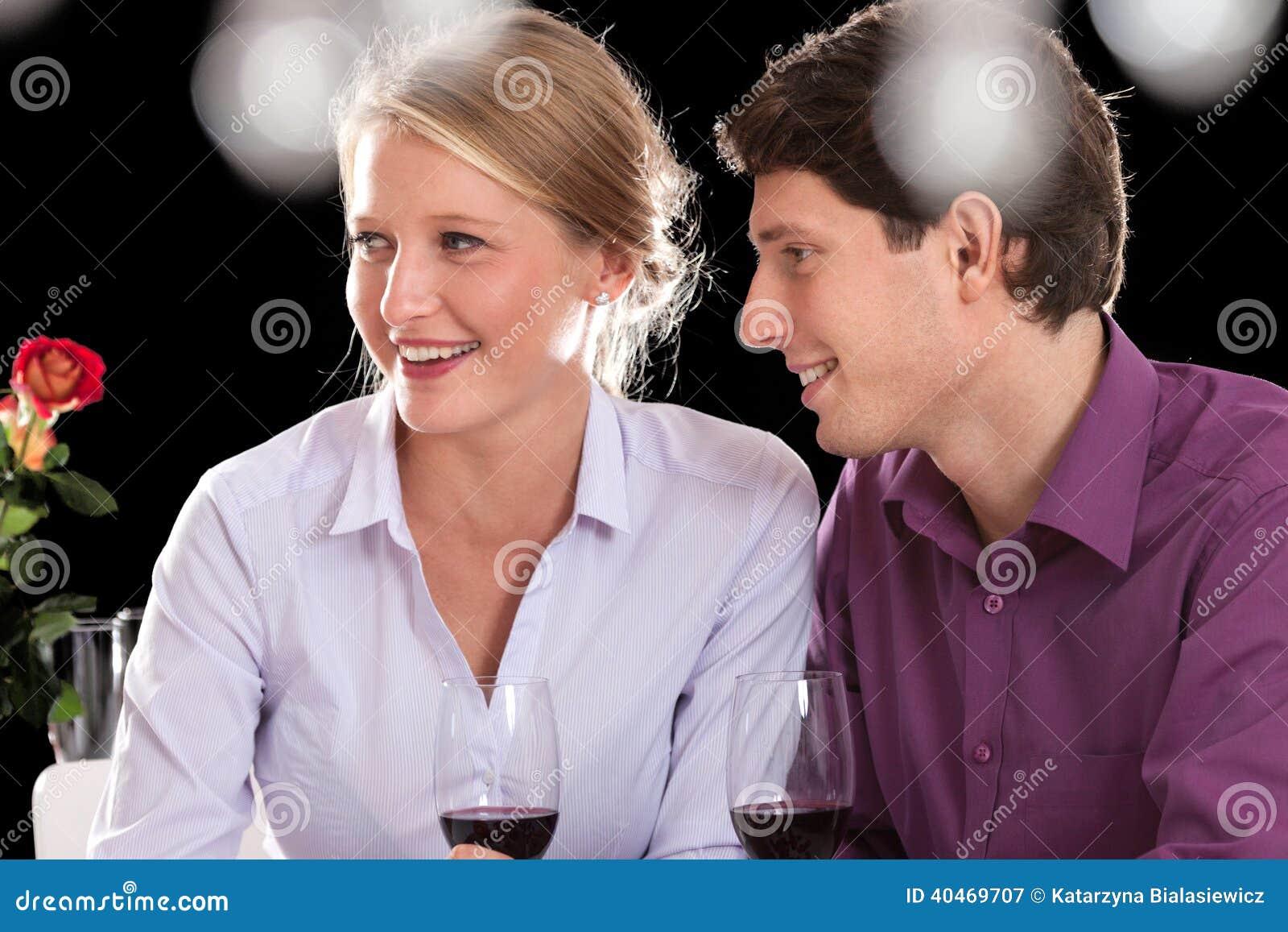 Par på matställe efter arbete