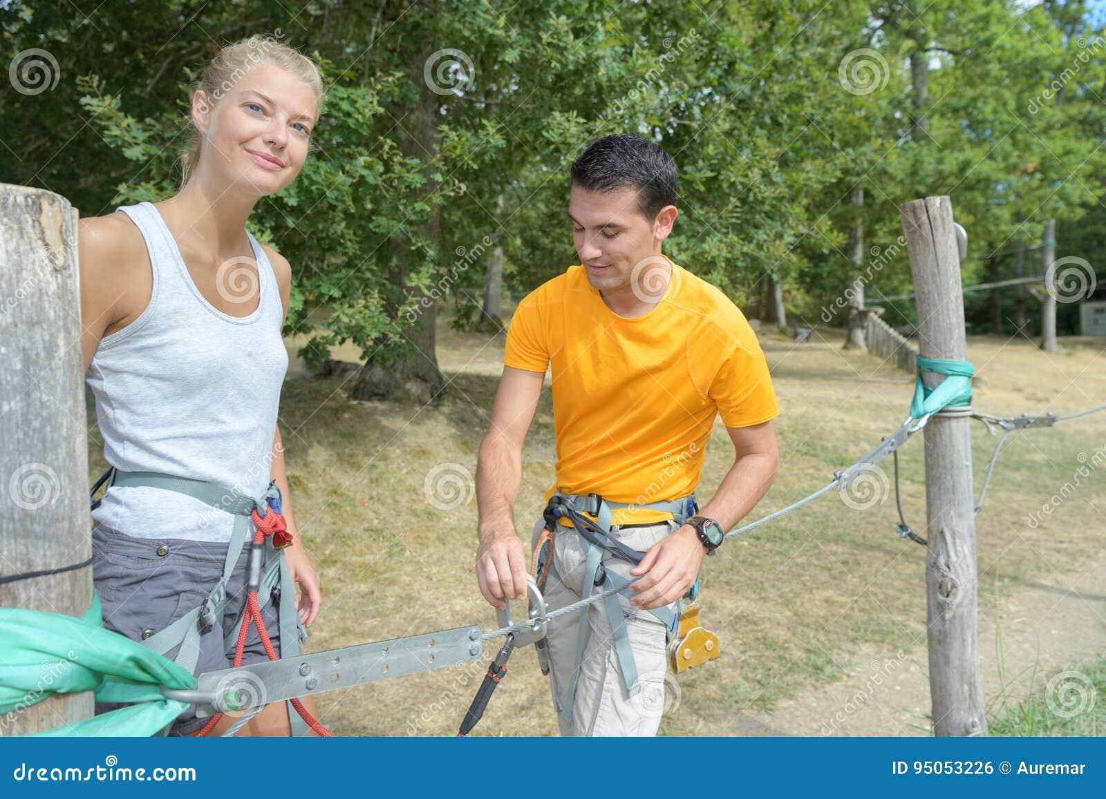 Par som får klara för rep, parkerar
