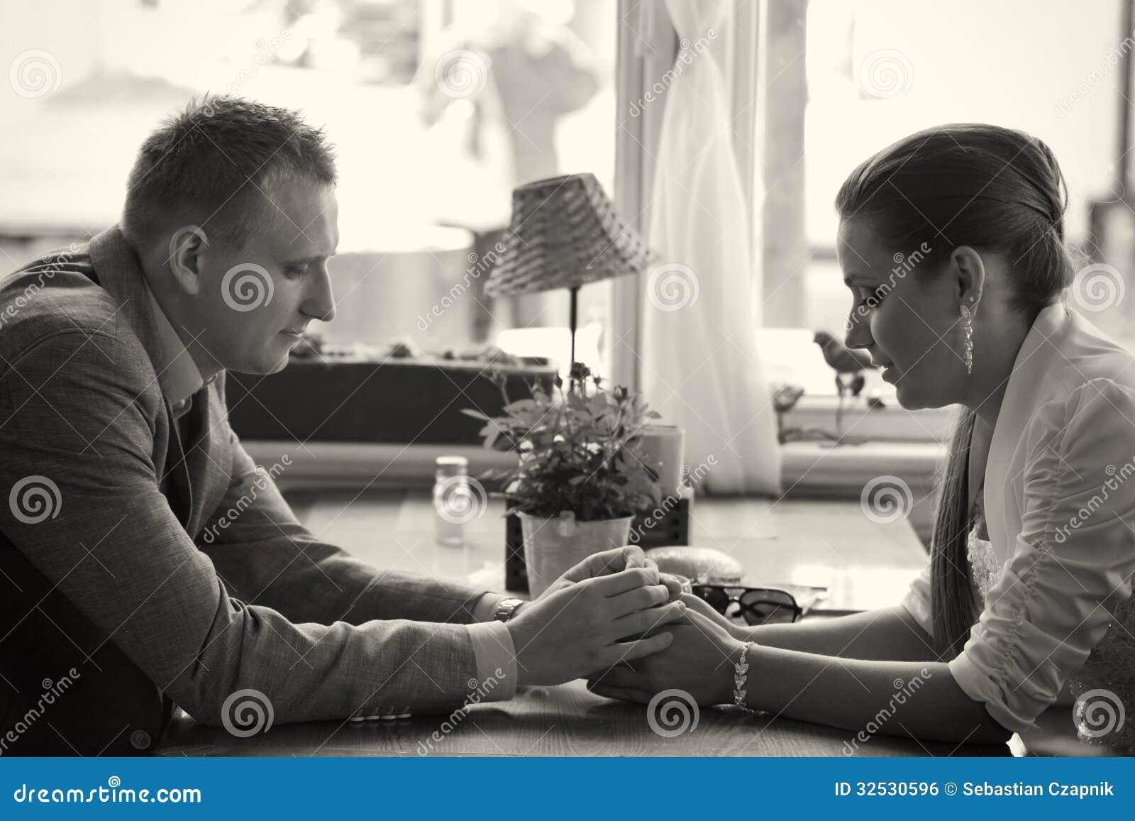 Par som har konversation