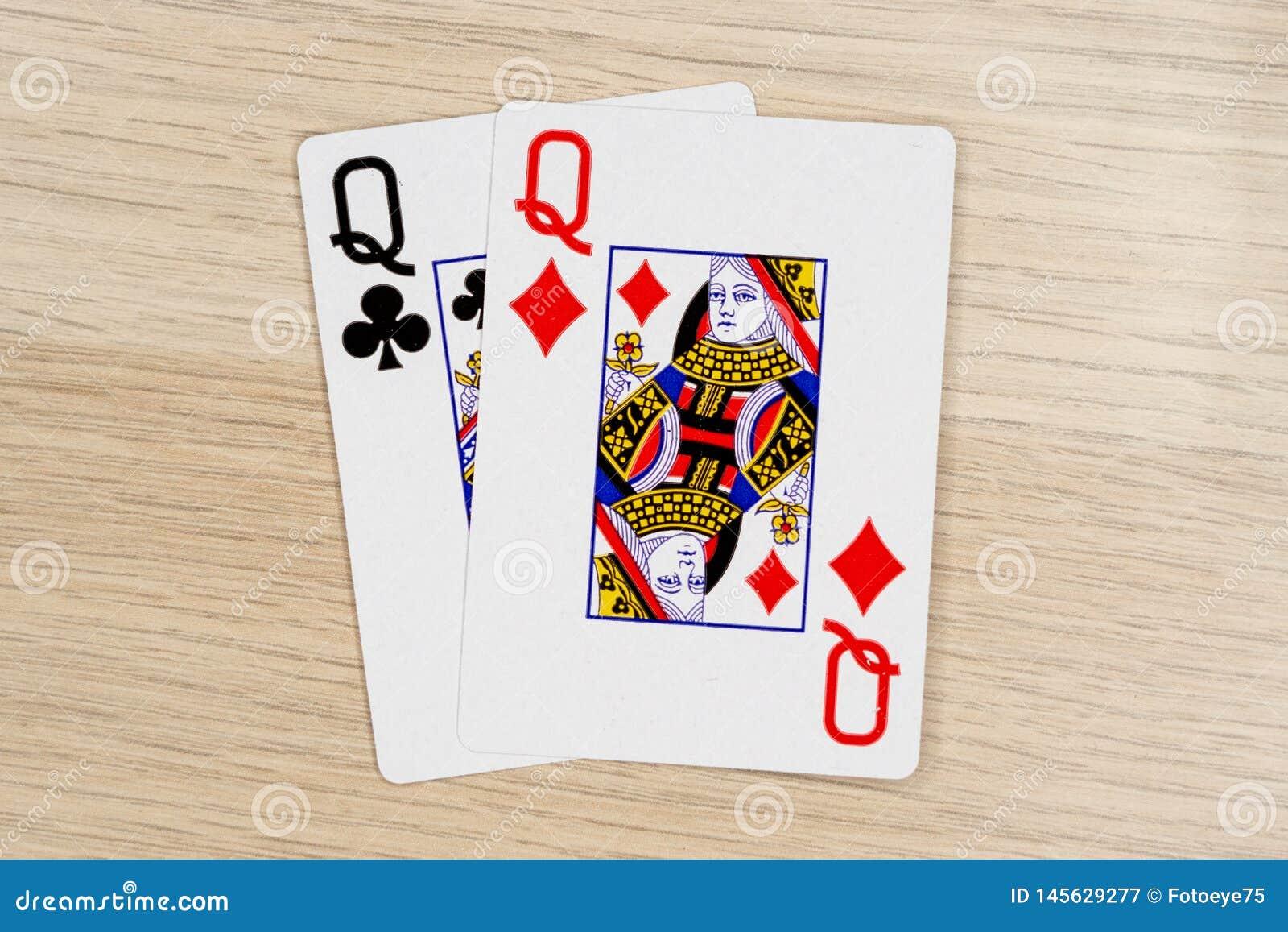 Para av drottningar - kasinot som spelar pokerkort