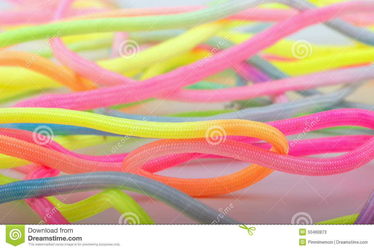 Para cord for crafts looping around