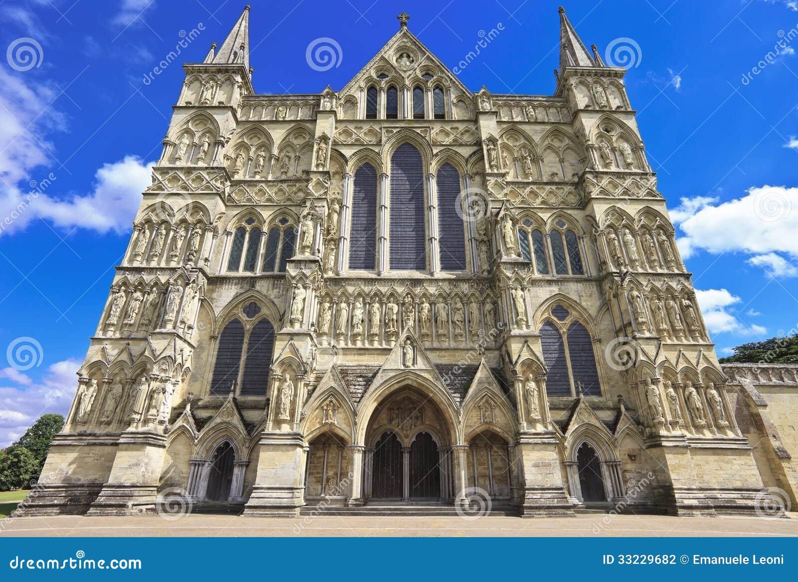 Para o oeste parte dianteira da catedral de Salisbúria, Inglaterra