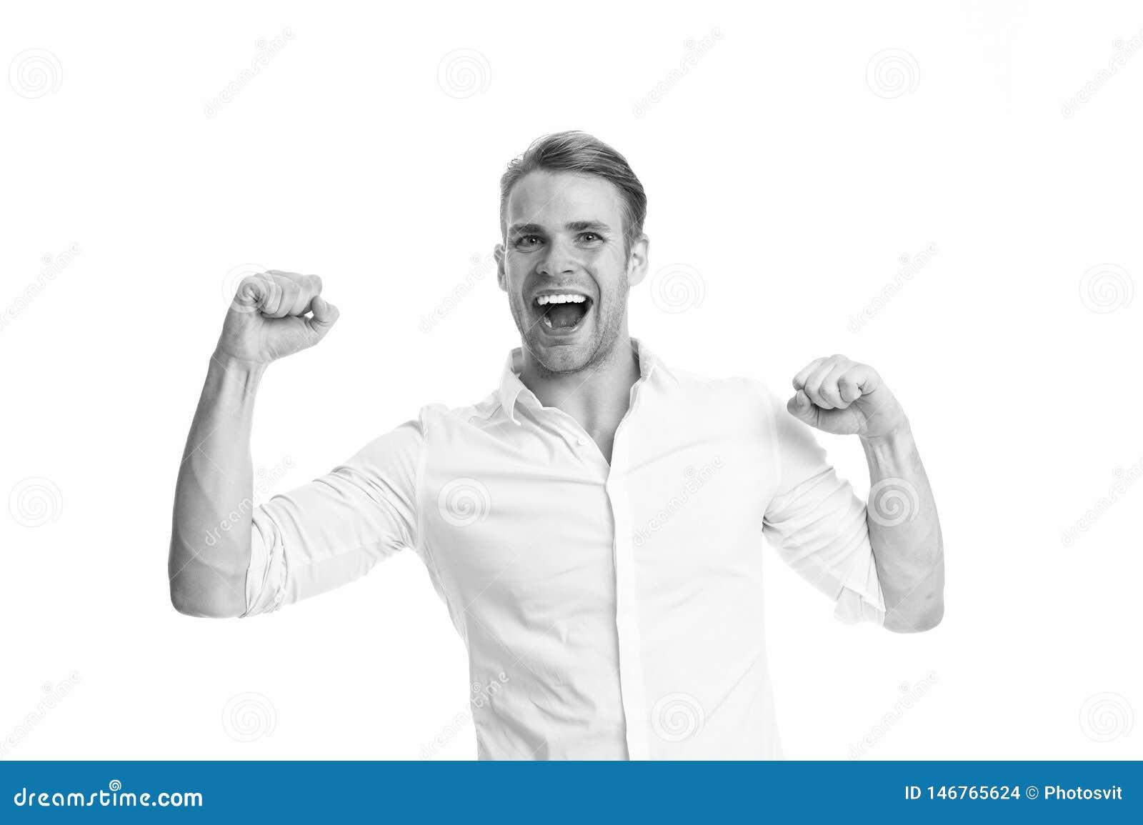 Para o sucesso Forte e completo da energia Indivíduo não barbeado considerável forte do homem Homem com os bra?os musculares segu