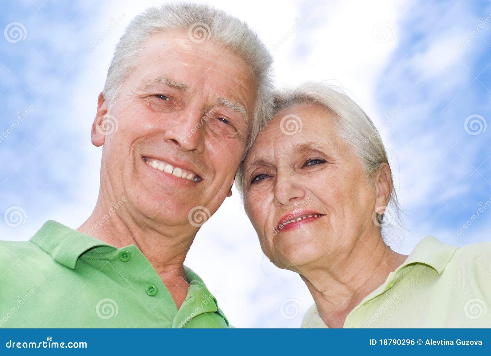 Para park starszy szczęśliwy