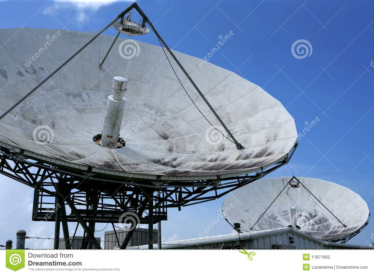 parabolic satellite dish receiver over blue sky stock photography image 11871962. Black Bedroom Furniture Sets. Home Design Ideas