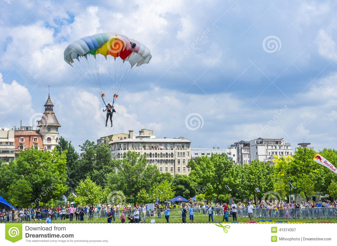 Parachutist In The Air Editorial Photography - Image: 41374307