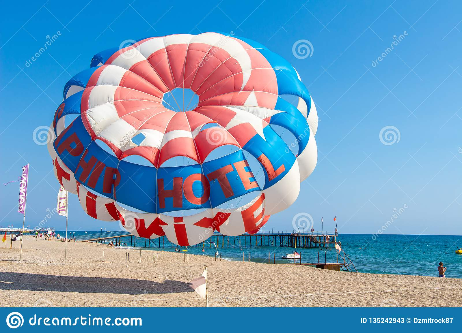 Is Parasailing Safe? An Overview of Parasailing Safety