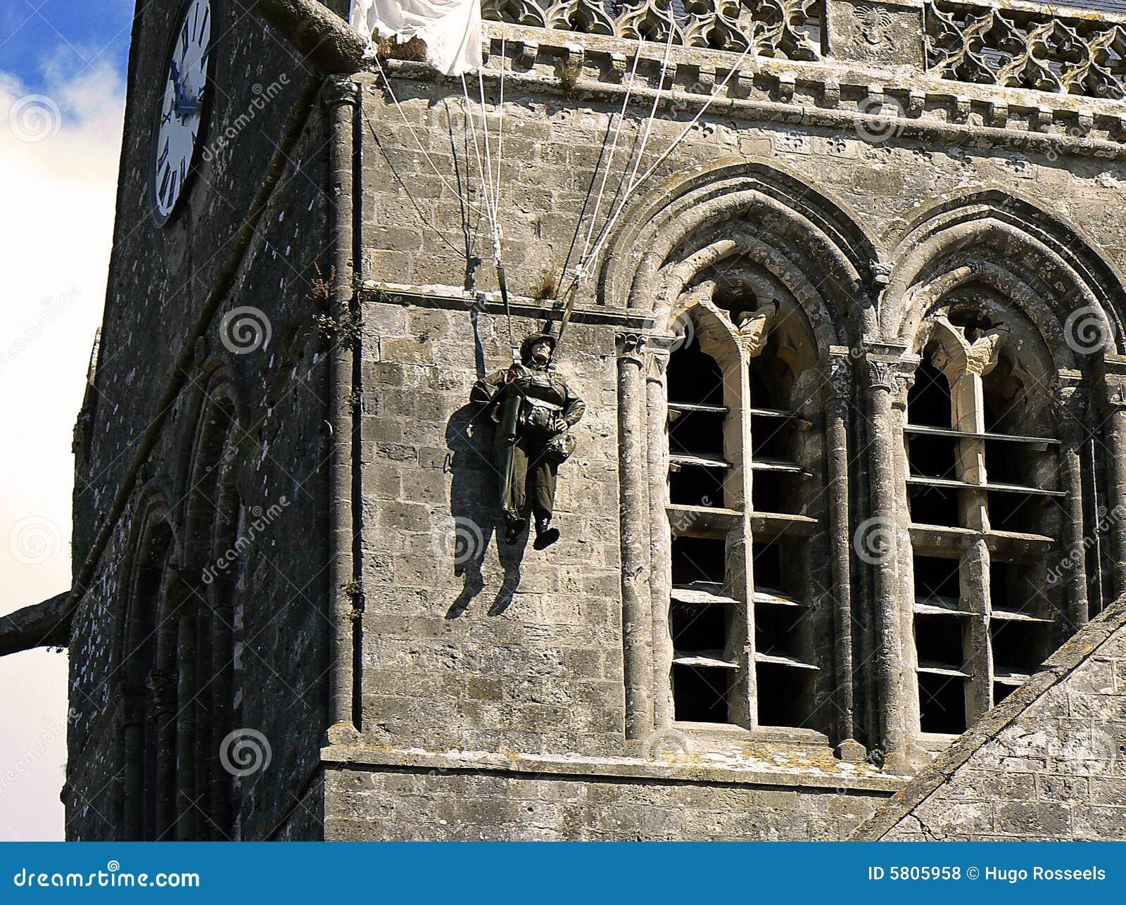 Parachutiste dans la tour de cloche, Normandie