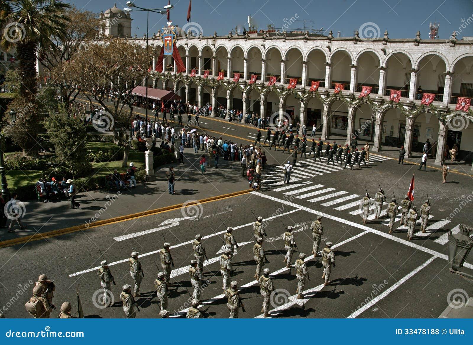 Parada de domingo, Plaza de Armas, Arequipa