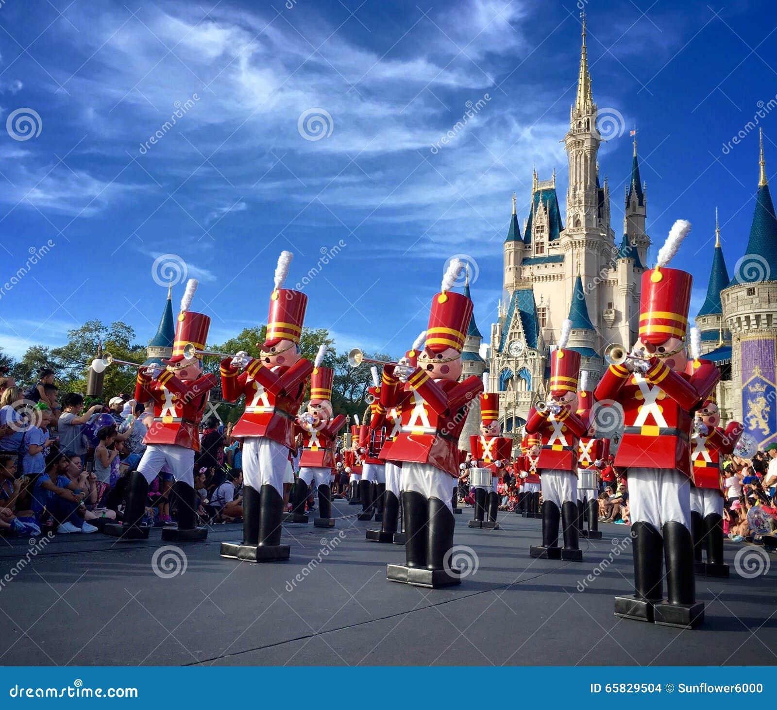 Parada dos feriados de Chistmas do mundo de Walt Disney