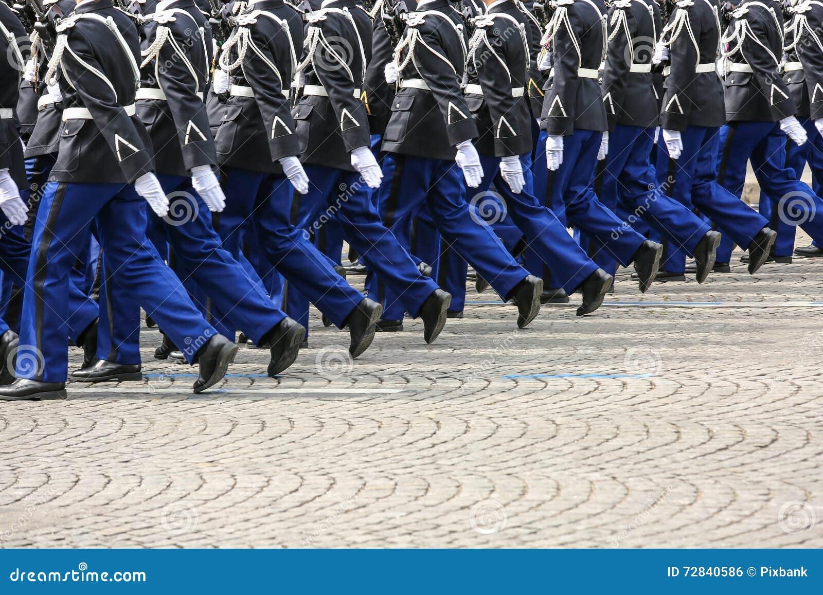 Parada militar durante o ceremonial