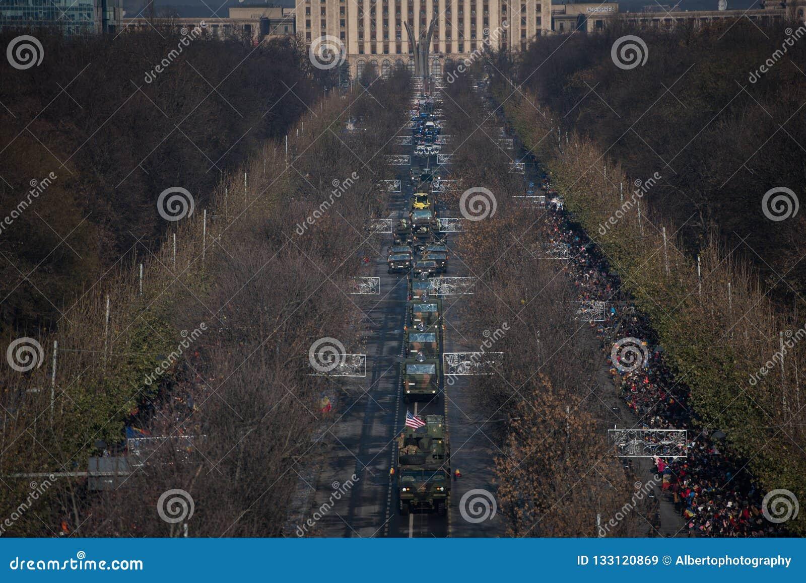 Parada militar que comemora o dia nacional de Romênia