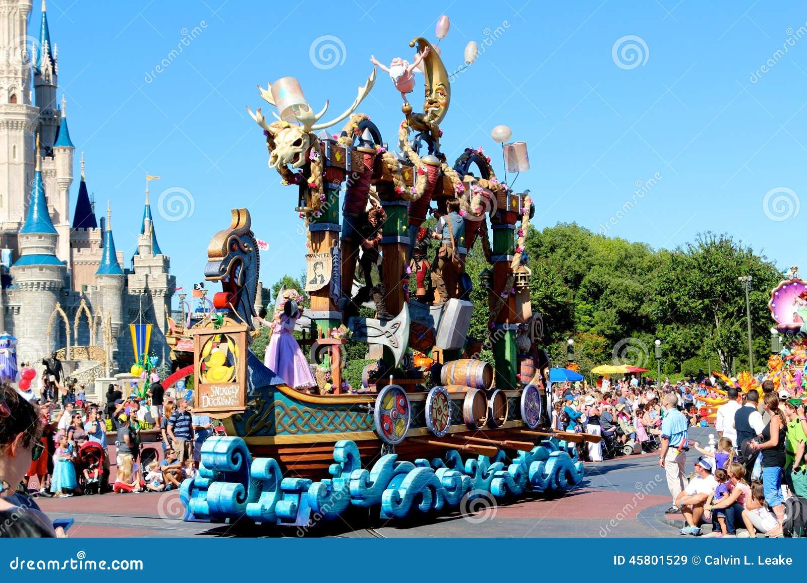 Parada pławik przy Disneyworld