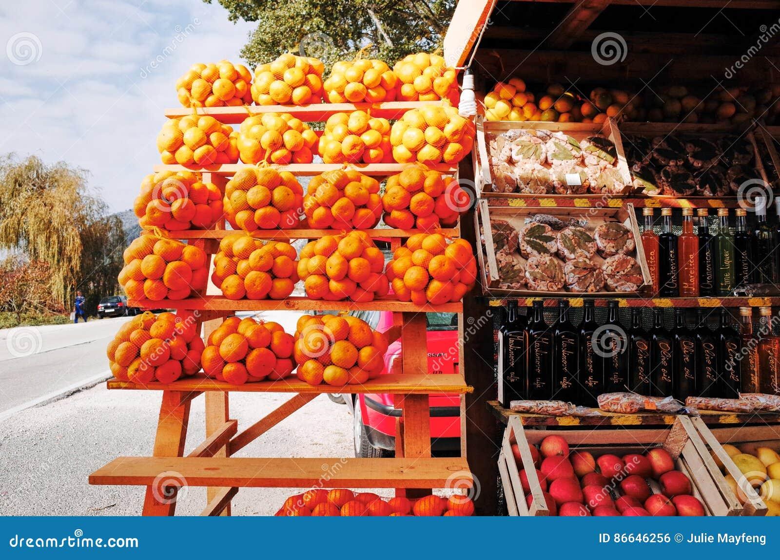 Paradas que venden naranjas