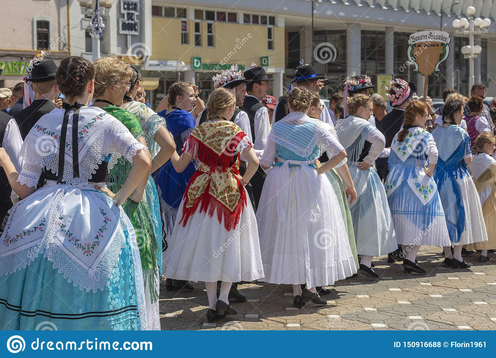Parade of the Swabian folk costumes