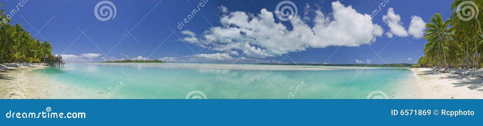 Paradis rêveur tropical de plage panoramique